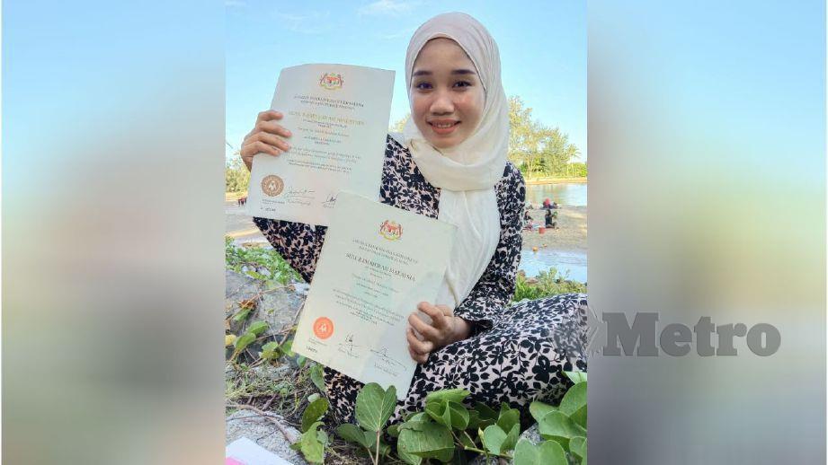 SITI Nadia menunjukkan sijil kemahiran diperolehinya. FOTO ihsan Siti Nadia Abd Latiff