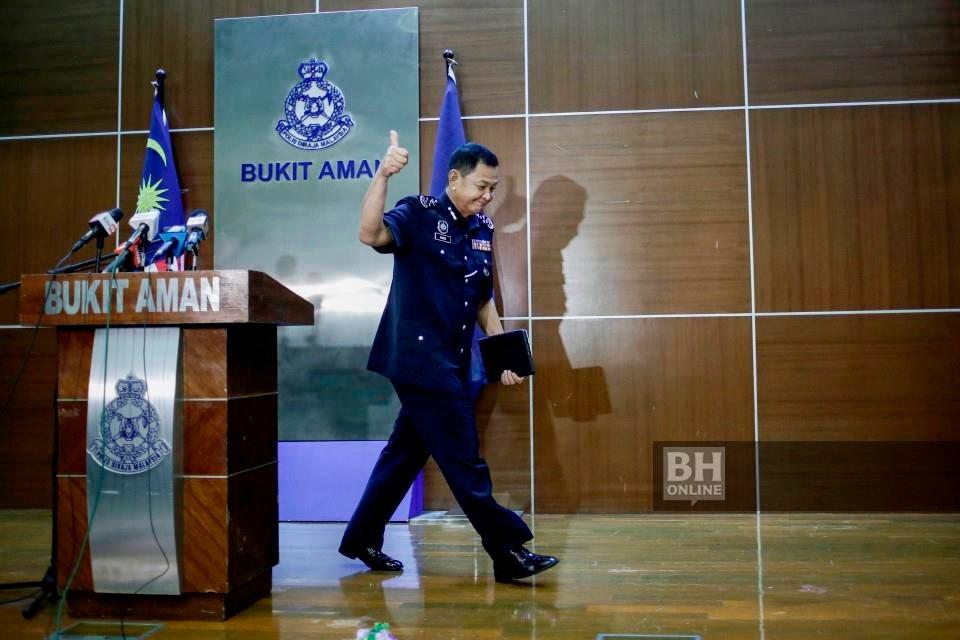 Ketua Polis Negara, Tan Sri Abdul Hamid Bador, mengakhiri perkhidmatan hari ini selepas empat dekad bersama PDRM. - NSTP/AIZUDDIN SAAD